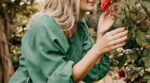 női szépség és a rózsavilág